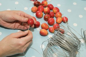 How to make an edible wreath with crab apples